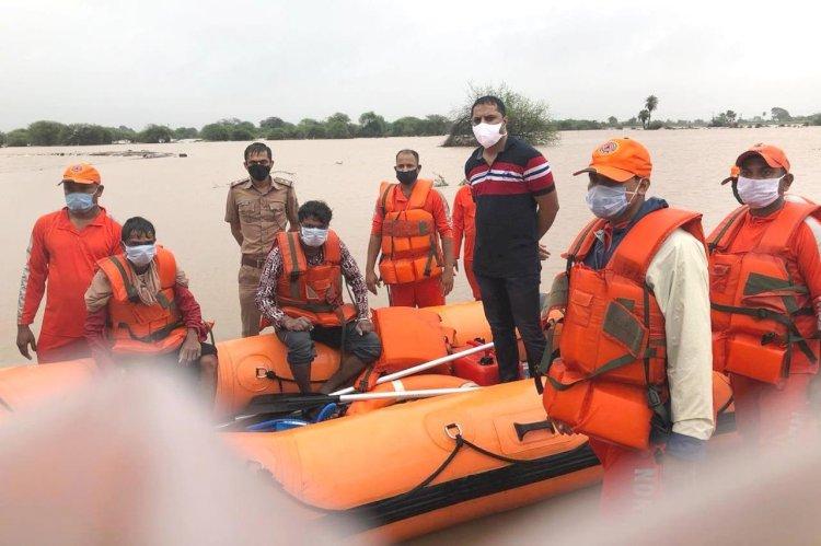 નથુવડલા, બાદનપર અને જોડિયા ખાતેથી NDRF દ્વારા લોકોને બચાવવામાં આવ્યા