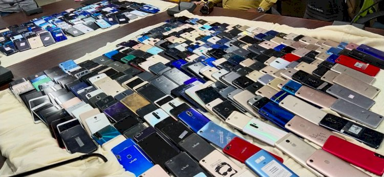 સસ્તામાં મોબાઈલ ફોન મેળવી અને ખાસ ટેકનીકથી અનલોક કર્યા બાદ એસેમ્બલ અને ડીસેમ્બલ કરવાના કૌભાંડનો પર્દાફાશ