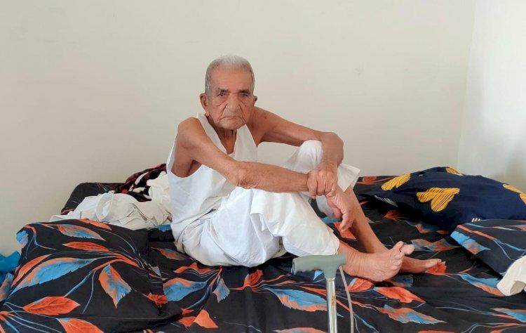 મનોબળ મજબુત રાખજો, જો 103 વર્ષના દાદા કોરોનાને હરાવી દે તો તમે ના હરાવી શકો...