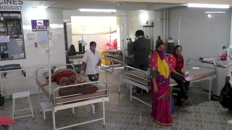 જામનગરમા દર્દીઓની બેહાલીના વરવા દ્રશ્યો....રોજના હજારો ભલે ખર્ચો પણ ટ્રીટમેન્ટ થશે પાર્કીંગમાં.