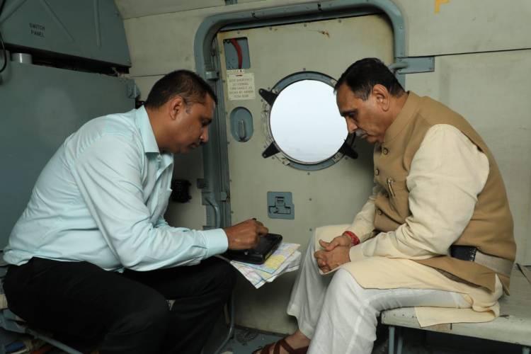 CM રૂપાણીએ કર્યું ગીરસોમનાથ જિલ્લાનું હવાઈનિરીક્ષણ...