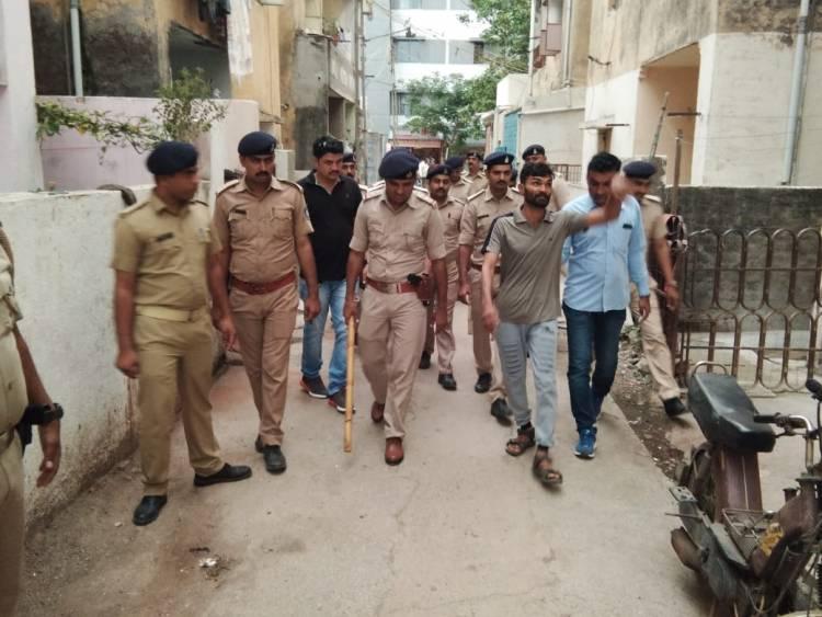 જામનગર પોલીસ ખોદવા નીકળી ડુંગર અને નીકળ્યો ઉંદર જેવી સ્થિતિ થઇ...