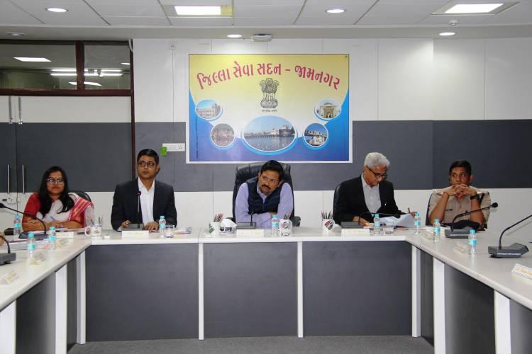 રાજયના ચીફ સેક્રેટરી જે.એન.સિંઘના અધ્યક્ષ સ્થાને જામનગર જિલ્લાની રીવ્યુ બેઠક યોજાઇ