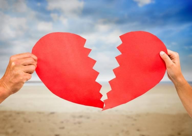 પ્રેમીએ પ્રેમિકા પાસે ડેટિંગ પર કરેલ ખર્ચના પૈસા માંગ્યા પાછા