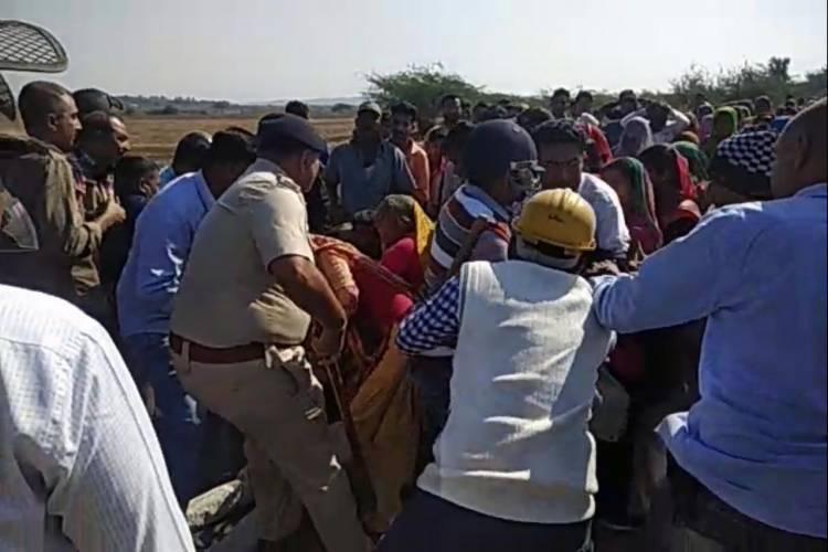 ભાવનગરમાં જ્યારે ખેડૂતો અને પોલીસ વચ્ચે સર્જાયું ઘર્ષણ