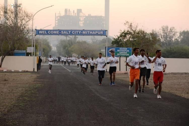 મીઠાપુરમાં ટાટા કેમિકલ્સ દ્વારા પ્રાયોજિત મેરેથોન યોજાઇ