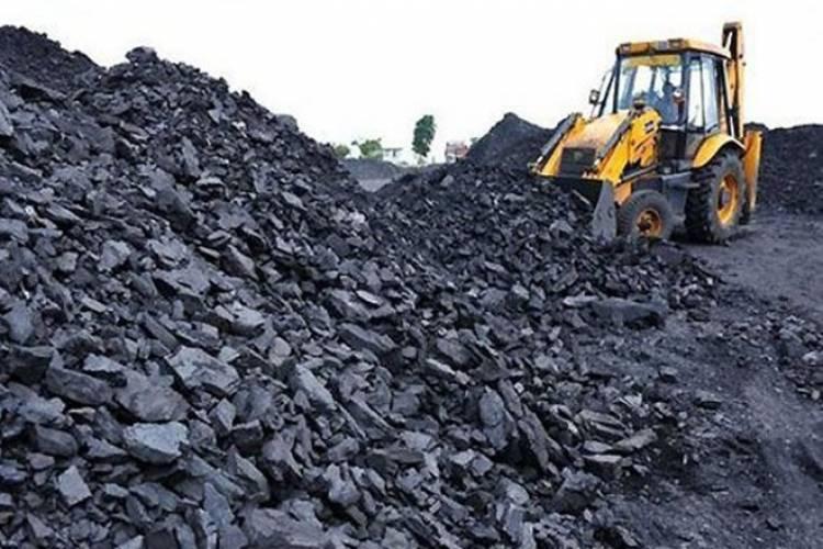 જામનગરના મિયાત્રા ગામે ખનીજ ખનનથી પ્રદૂષણ મામલે હાઇકોર્ટમાં જાહેરહિતની રીટ