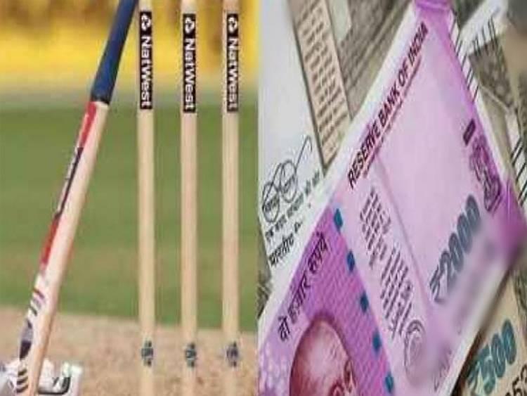 IPL પર રમાતા જુગાર પર બે દરોડા