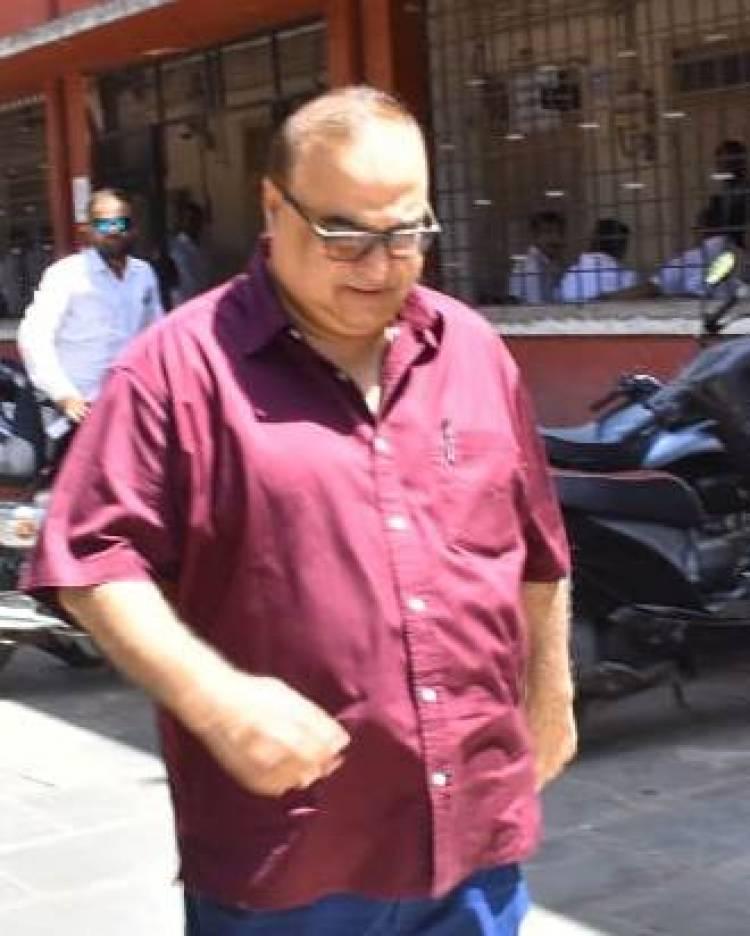 ફિલ્મ પ્રોડ્યુસર રાજકુમાર સંતોષી જામનગર કોર્ટ મુદતમાં...