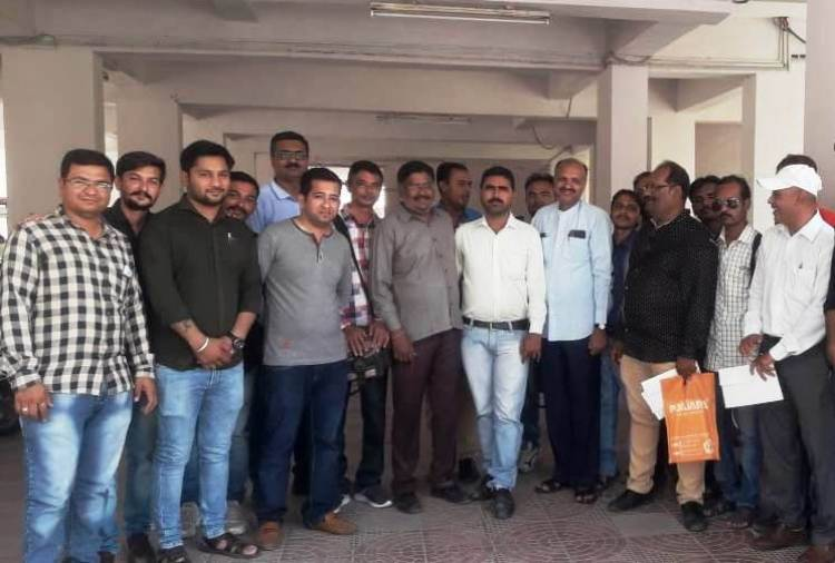 જામનગર:પત્રકારને ઘરમાં ધુસી અને બુટલેગરે આપી ધમકી...