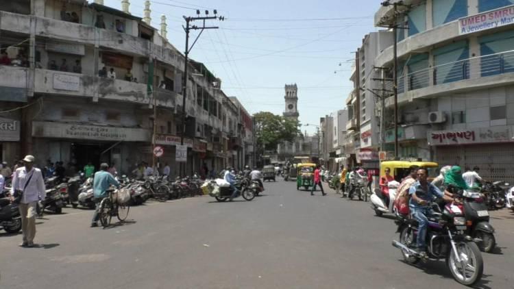 જામનગર:સોની બજાર સજ્જડ બંધ,વેપારીઓમાં રોષ..