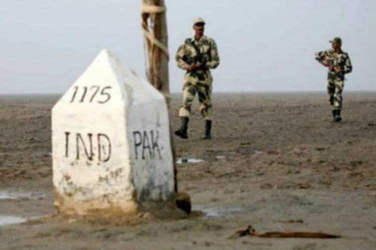 બિનવારસી પાકિસ્તાની બે બોટ ઝડપાઇ, BSFએ શરૂ કર્યું સર્ચ ઓપરેશન