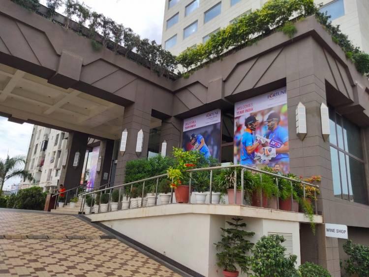 ભારત-બાંગ્લાદેશની ટીમના રાજકોટમાં ધામા, ચાહકોની ભીડ ઉમટી