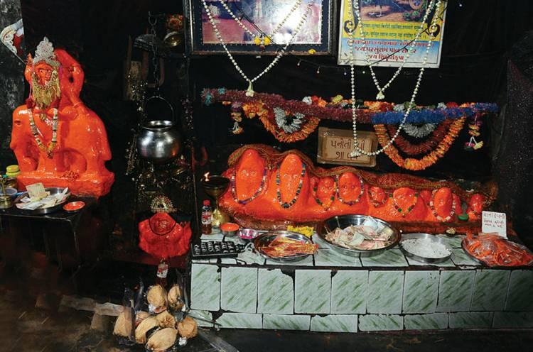શનિ મંદિર હાથલા ખાતે મૂકવામાં આવતી આ વસ્તુઓ આવશે જરૂરિયાતમંદોને કામ